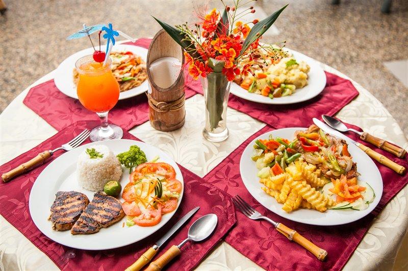 fine dining at scandi divers resort