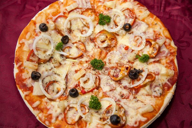 pizza at scandi divers resort